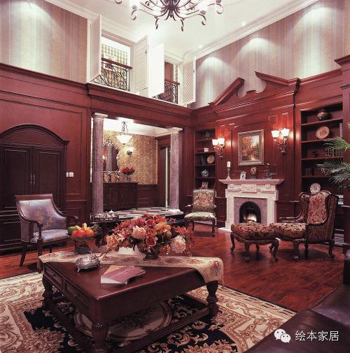 二楼客卧以乳白色为底色,白色铁艺床,白色欧式床头柜,白色欧式灯具