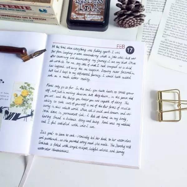 很多水彩达人会用moleskine作为水彩手帐本,简约,有质感,竖开的总会图片